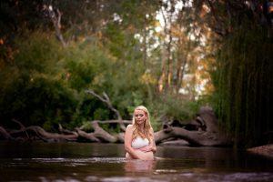 Water maternity photo wodonga